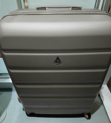 Review of Aerolite Medium Super Lightweight Suitcase Hard Shell