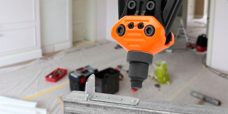 TACKLIFE HHR2A-UK Heavy Duty Rivet Gun in the use
