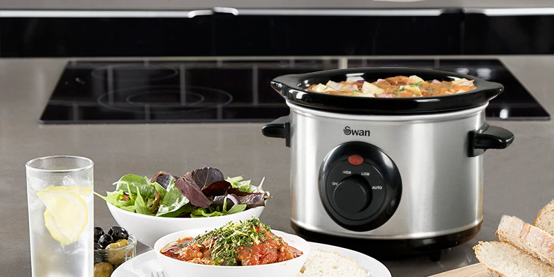 Swan SF17010N 1.5 Litre Oval Stainless Steel Slow Cooker in the use