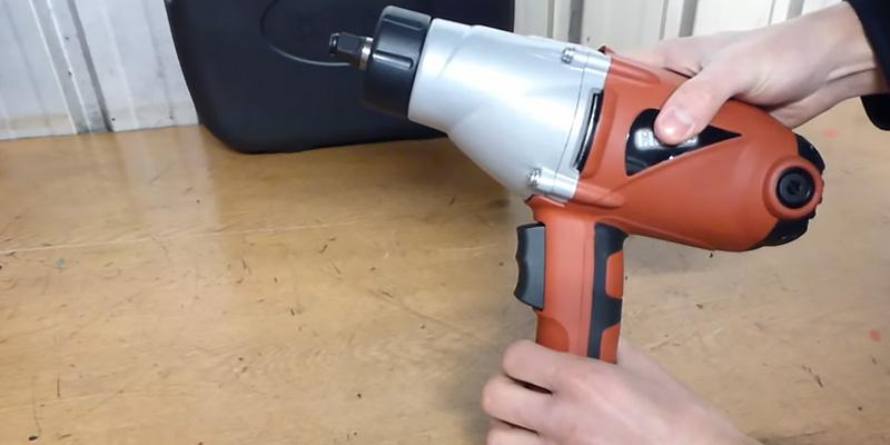 Review of Clarke CEW1000 Electric Impact Wrench