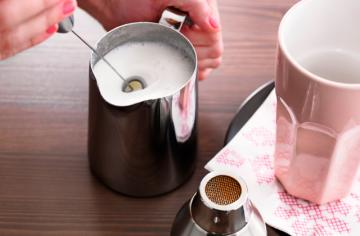 Best Milk Frothers to Enhance the Taste and Flavour of Your Coffee Drinks