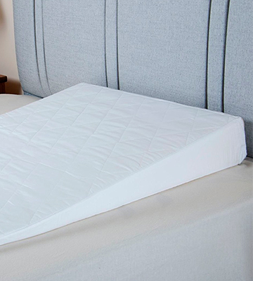 Review of UK Care Direct Luxury Bed Sleep Wedge with Quilted Cover