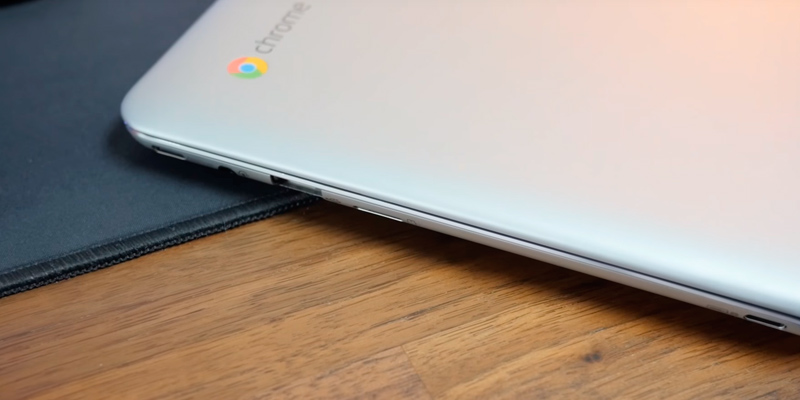 "ASUS C101PA-FS002 10.1"" Touchscreen Chromebook Flip (OP1 Processor, 4GB RAM, 16GB eMMC) in the use"