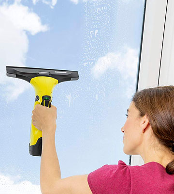 Review of Karcher WV5 Premium Window cleaner for Windows