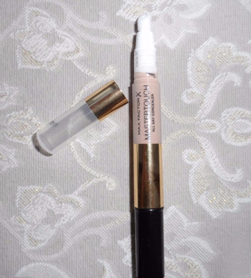 Review of Max Factor Mastertouch Full Coverage Concealer Pen