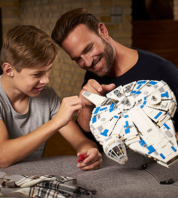 Review of LEGO 75212 Kessel Run Millennium Falcon Star Wars Toy