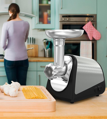 Review of Homgeek LVU653364LD Electric Meat Grinder and Sausage Maker with Kibbe Attachment