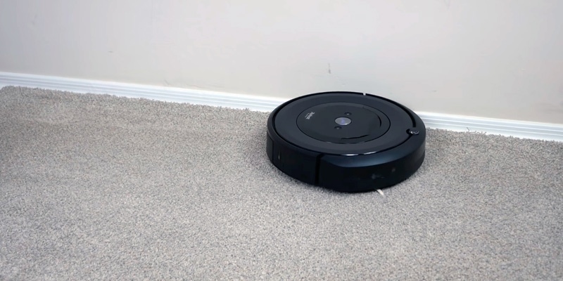 Review of iRobot Roomba E5 Pets Robot Vacuum Cleaner