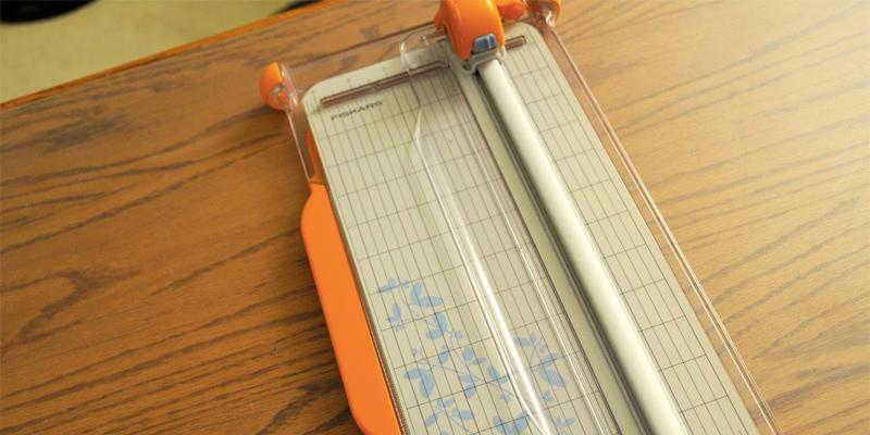 Review of Fiskars Portable Paper Trimmer