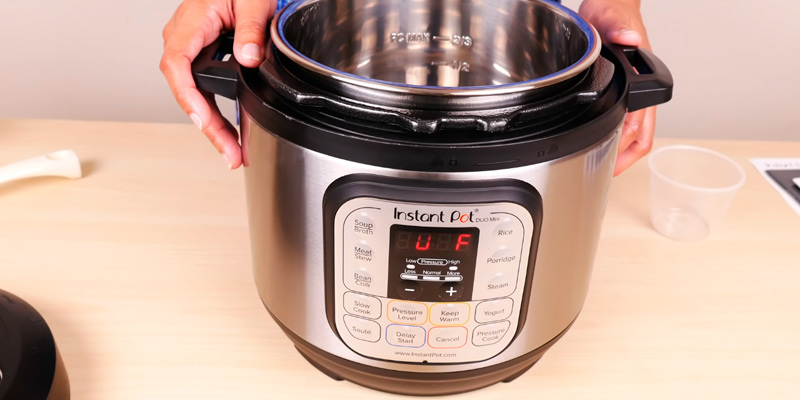Instant Pot DUO80 (7-in-1) Pressure Cooker in the use