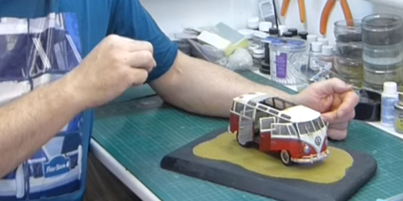 Review of Revell 07399 VW Samba Bus Model Kit