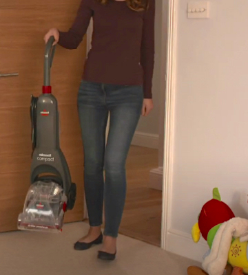 Review of Bissell InstaClean Compact Lightweight & Compact Carpet Cleaner