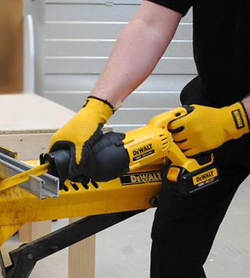 Review of DEWALT DCS380N-XJ Reciprocating Saw