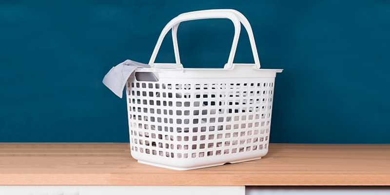 Review of Lakeland Laundry Tote Basket with Handles, 25 Litre