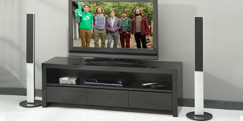 Detailed review of Denver DVH-7784 Small Multi Region DVD Player