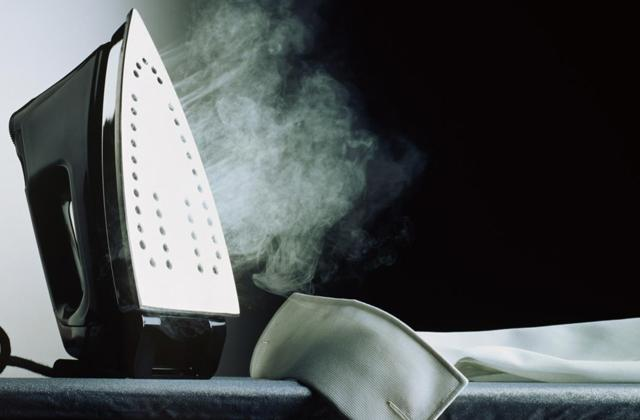 Best Steam Irons for Perfectly Smooth Clothes