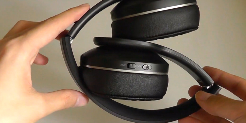 TaoTronics BH047 Noise Cancelling Headphones in the use