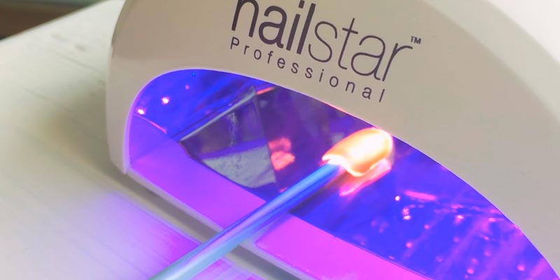 NailStar NS-02W-UK LED Nail Dryer in the use