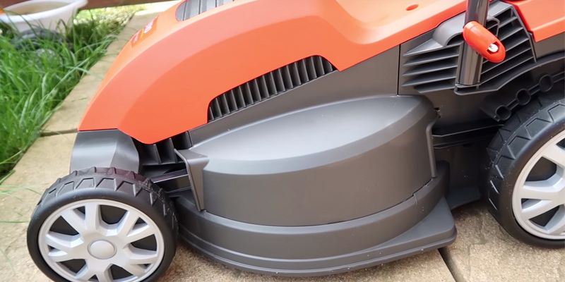 Flymo Speedi-Mo 360C Electric Wheeled Lawn Mower in the use