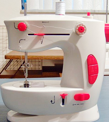 Review of Dyno Merchandise D25001 Easy Stitcher Table Top Sewing Machine