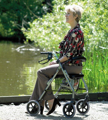 Review of Homecraft Quartz Rollator Walker