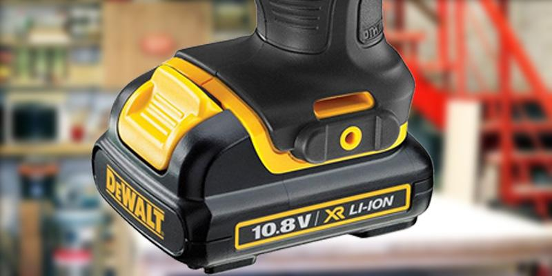 DEWALT DEWDCF813D2 in the use