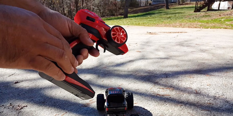Detailed review of Thinkgizmos TG631 Rock Master Remote Control Car