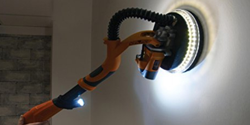 Evolution R225DWS Dry Wall Sander with LED Torch in the use