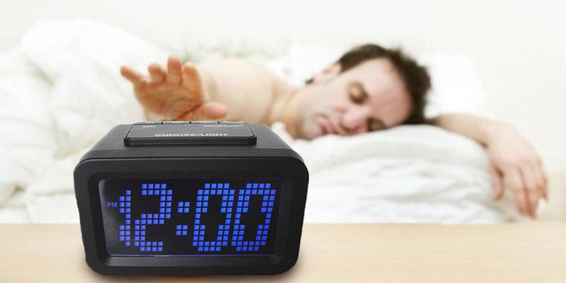 Review of HITO Smart, Simple and Silent LCD Alarm Clock