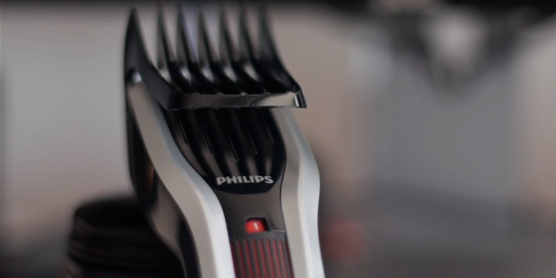 Philips HC5450/83 Hair Clipper with Titanium Blades in the use