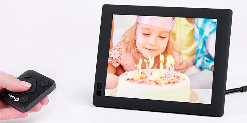 Nixplay Seed WiFi Digital Photo Frame in the use