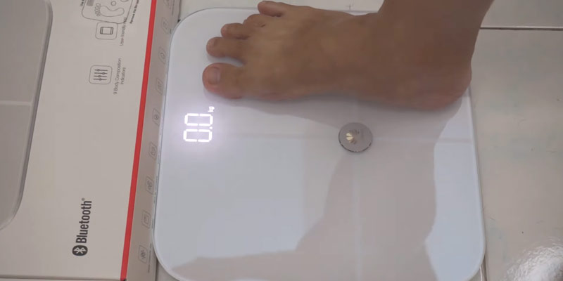 Huawei AH100 Body Fat Scale in the use
