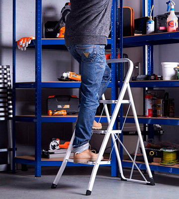 Review of VonHaus 3 Wide Step Ladder with Gripped Tread Anti-Slip