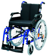 Drive DeVilbiss Healthcare XSAWCSP18BLST Self-Propelled Wheelchair
