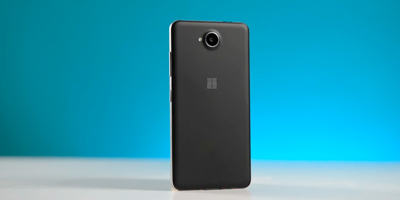 Microsoft Lumia 650 SIM-Free Smartphone in the use