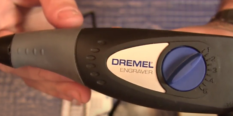 Dremel 290-01 Engraver in the use