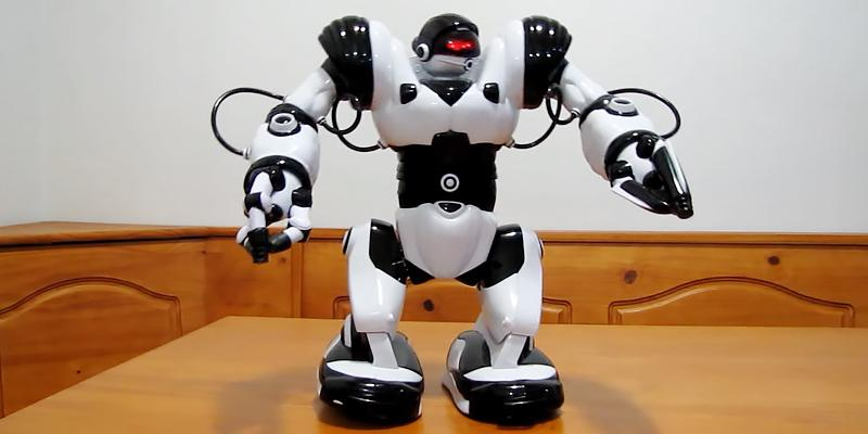 Review of Playtech Logic RoboActor Interactive Programmable RC Robot