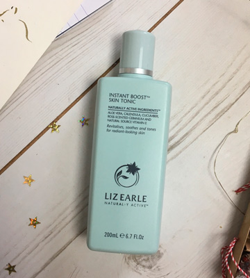 Review of Liz Earle 200ml Instant Boost Skin Tonic