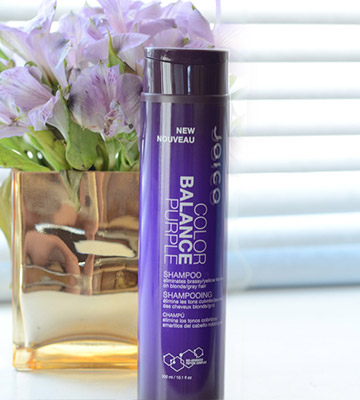 Review of Simply Beautiful Purple Shampoo For Blonde Hair: Silver Toning Shampoo for Platinum and Violet Tones