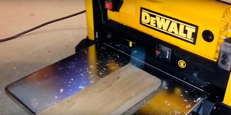 Review of DEWALT Dw733 Thicknesser Planer