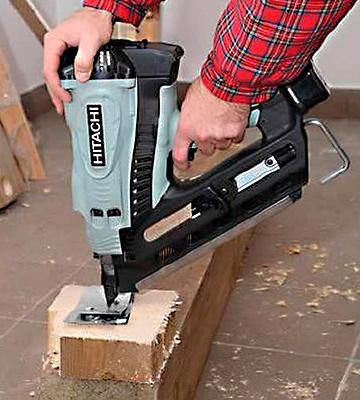 Review of Hitachi NR90GC2 Clipped Head Cordless Framing Nailer
