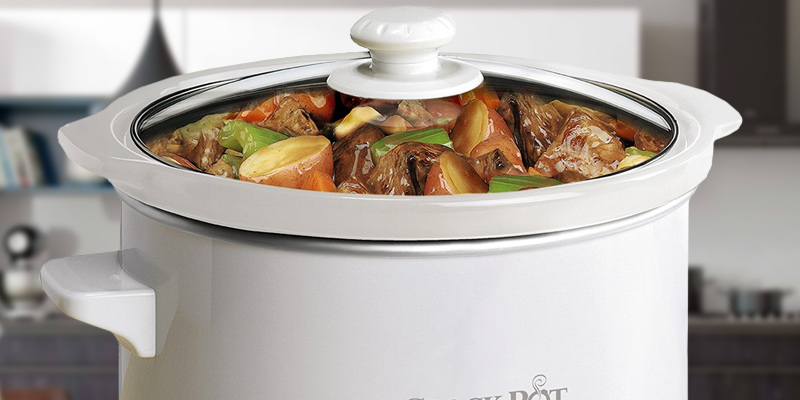 Crock-Pot SCCPQK5025W-060 Slow Cooker, 2.4L, White in the use