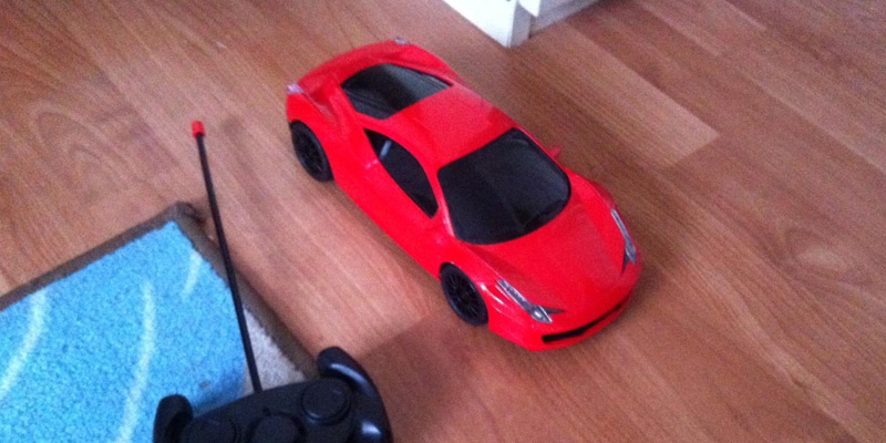 Playtech Logic PL9125 Ferrari Italia 458 Style RC Remote Control Car in the use