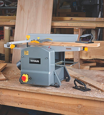 Review of Titan TTB579PLN Bench Planer Thicknesser