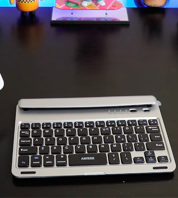 Review of Arteck HB065 Ultra-Thin Bluetooth Keyboard with Stand Groove