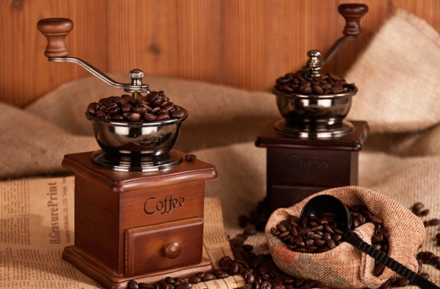 Best Manual Coffee Grinders for Making Gourmet Coffee at Home