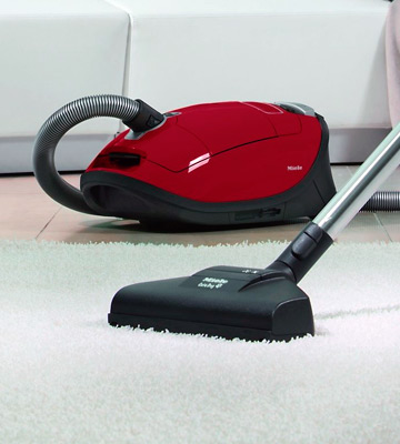 Review of Miele Complete C3 Cat and Dog Bagged Vacuum Cleaner