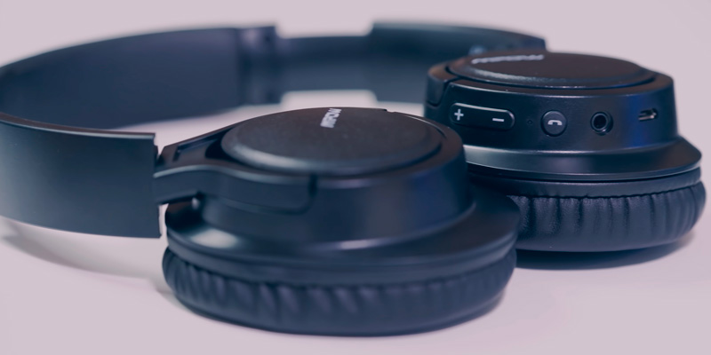 Mpow H7 Over Ear Bluetooth Headphones for TV in the use