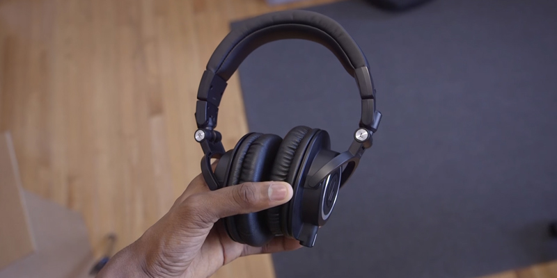 Review of Audio-Technica ATH-M50x Professional Monitor Headphones