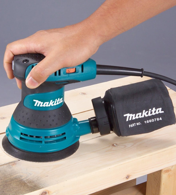 Review of Makita BO5031/2 Random Orbit Sander